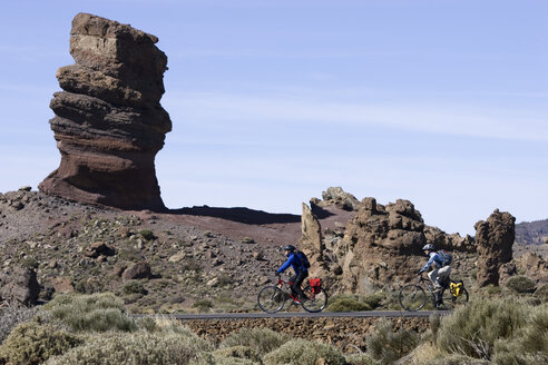 Spain, The Canary islands, Teneriffa, Rock formation, Couple mountain biking - DSF00198