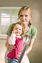Mother and baby girl (1-2) portrait - WESTF09180