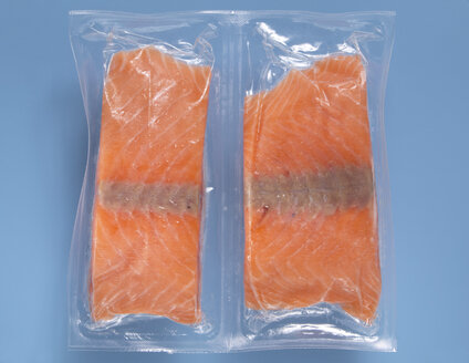 Frozen salmon Fillet vaccuum packed, elevated view - THF00959