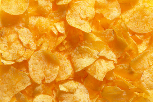 Potato chips, full frame, close-up - THF00947