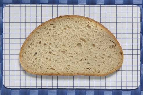 Slice of bread, elevated view - TH00905