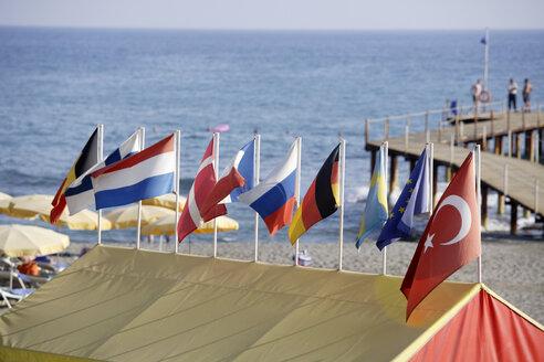 Turkey, Alanya, Flags on the beach - TC00967