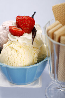 Mixed ice cream with whipped cream, close-up - SCF00340