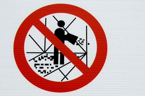 Prohibition sign, No dumping - AWDF00250