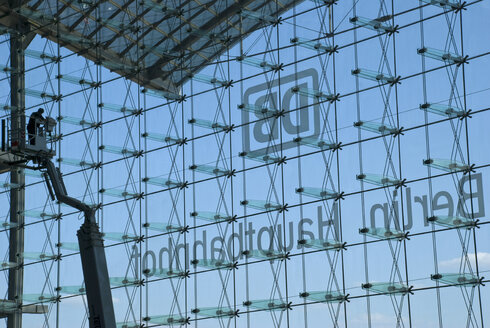 Germany, Berlin, Central Station, Glass front, repair work - PM00707