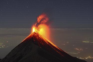 Guatemala, Fuego volcano, Strombolian eruption - RM00314