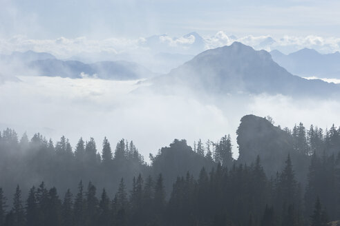 Germany, Bavaria, Kampenwand, Mountain scenery with clouds - FFF01006
