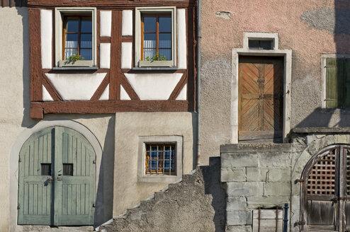 Germany, Baden-Württemberg, Überlingen, Old house, Facade with timber framing - SHF00271
