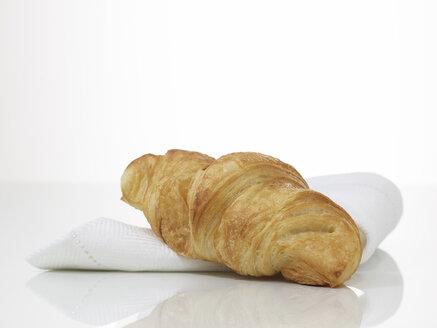 Croissant, close-up - AKF00130