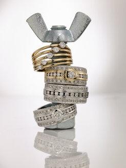 Rings on wing screw - AKF00019