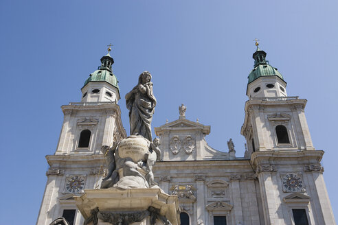 Austria, Salzburg Cathedral and statue of the Virgin Mary, low angle view - WWF00568