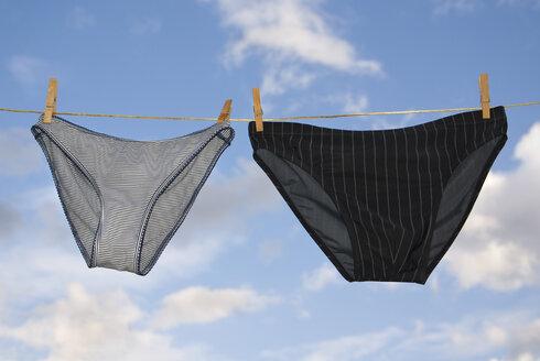 Underwear pegged on clothesline - MUF00747