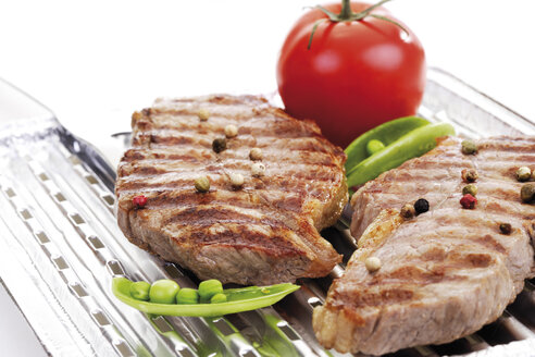 Grilled rumpsteak on aluminium grill pan - 10300CS-U