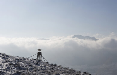 Austria, Salzkammergut, Mondsee, Raised blind on hill - WWF00785