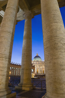 Italy, Rome, Vatican City, Basilica of Saint Peter at night - PSF00136