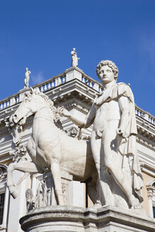 Italy, Rome, Palazzo Nuovo, Statue in foreground - PSF00106