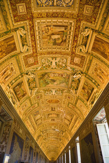 Italy, Rome, Vatican City, Museum, Gallery of maps, ceiling painting, low angle view - PS00146
