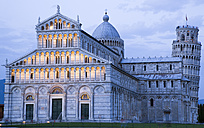 Italy, Tuscany, Pisa, Piazza dei Miracoli, Square of Miracles, Cathedral and Leaning Tower, - PSF00263