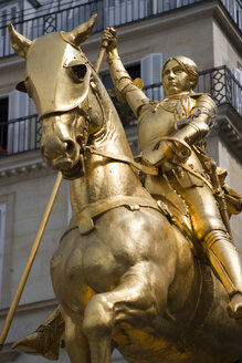 France, Paris, Place des Pyramides, Jeanne d Arc statue, low angle view - PSF00188