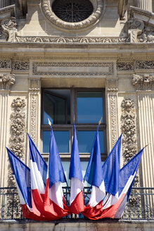 France, Paris, Louvre, French Ensigns on balcony - PSF00176