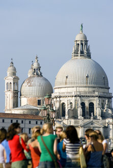 Italy, Venice, Church, Santa Maria della Salute, tourists in foreground - PSF00311