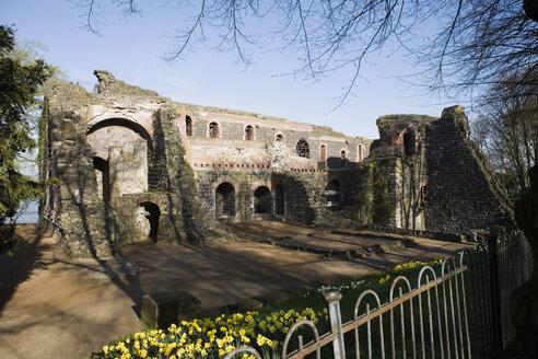 Germany, North-Rhine-Westphalia, Kaiserwerth, Kaiserpfalz, Ruins of a medieval imperial palace - UK00184