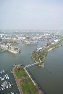 Germany, North-Rhine-Westphalia, Duesseldorf, View over harbour, elevated view - UK00181