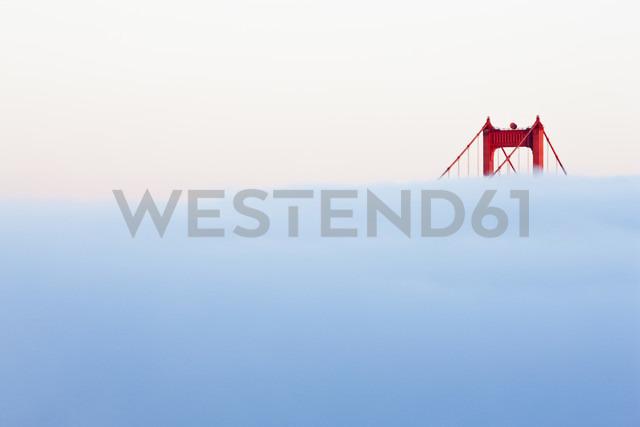 USA, California, San Francisco, Golden Gate Bridge in fog - FOF01503
