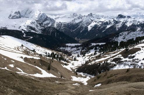 Italy, South Tyrol, Dolomites, Mountain scenery - AWDF00406
