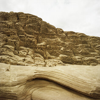 Jordan, Wadi Rum, Rock formations in landscape - PM00797