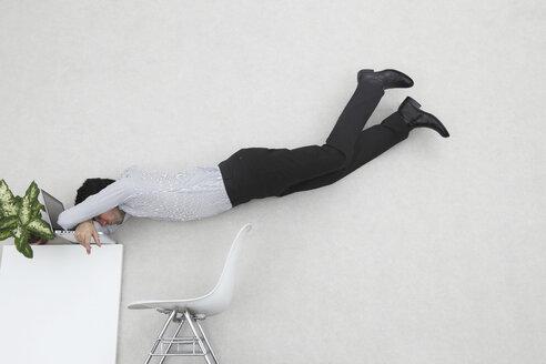 Business man resting w - BAEF00052