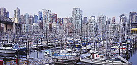 Canada, British Columbia,Vancouver, View of city with harbour - WBF000209