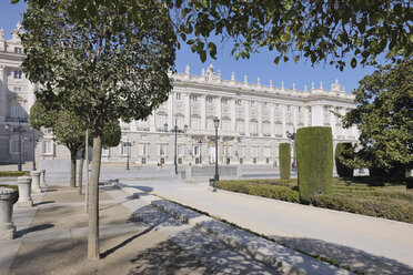 Spain, Madrid, Facade of Royal Palace of Madrid - RUEF000596