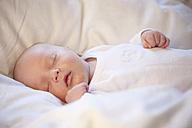 Baby boy sleeping - RBF000426