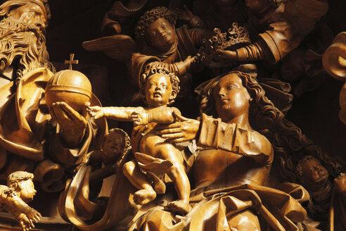 Austria, Lower Austria, Mostviertel, Wachau, pilgrimage church Mauer bei Melk, Statue of Maria and child - SIEF000089