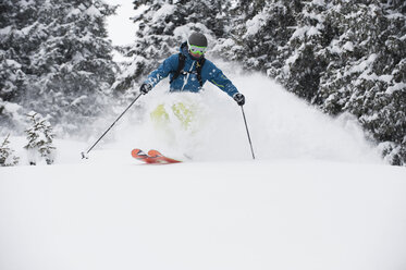 Austria, Kleinwalsertal, Ma skiing - MRF001279