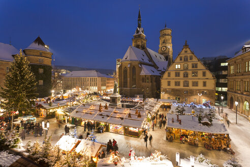 Germany, Baden-Württemberg, Stuttgart, View of market in christmas at night - WDF000842