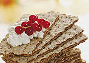Stacked cracker bread with redcurrant - WBF000832