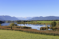 Germany, Bavaria, Upper Bavaria, View of mountains with riegsee lake - SIEF000920