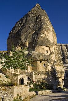 Turkey, Cappadocia, Goreme, View of cave dwelling - PSF000511