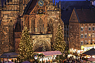 Germany, Bavaria, Franconia, Frauenkirche, Nuremberg, View of Christkindlmarkt - SIEF001184