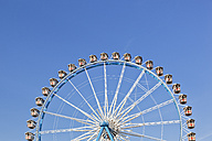Germany, Bavaria, Munich, View of part of ferris wheel against clear sky - FOF003317