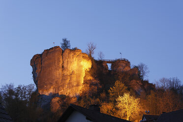 Germany, Franconia, Franconian Switzerland, Wiesenttal, View of Streitburg castle ruin - SIEF001444