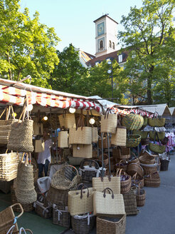 Germany, Bavaria, Munich, Auer Dult, View of variety of wicker baskets at annual market fair - LF000264
