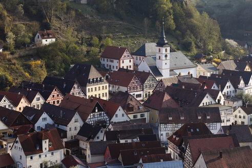 Germany, Bavaria, Franconia, Upper Franconia, Franconian Switzerland, Pottenstein, View of town - SIEF001476