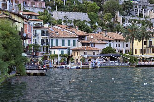 Europe, Italy, Lombardia, Limone sul Garda, View of city near Lake Garda - ES000029