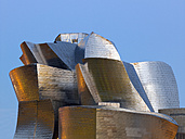 Spain, Basque country, Bilbao, View of Guggenheim Museum Bilbao at dusk - BSC000014