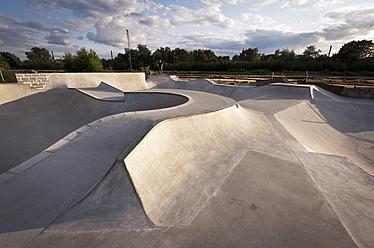 Belgium, Mechelen, View of public skatepark - KJF000124