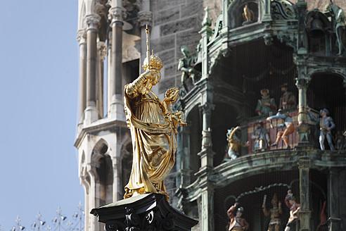 Germany, Bavaria, Munich, View of statue on Marian column by Hubert Gerhard - SIE001770