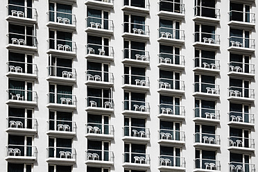 Israel, Tel Aviv, Hotel appartments with chairs in balconies - TLF000595